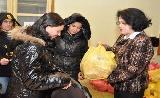 A rászorulóknak élelmiszercsomagot osztottak Józsefvárosban!