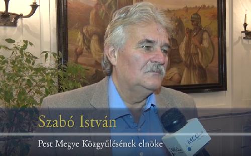 Szabó István a repülőtéri vasútról