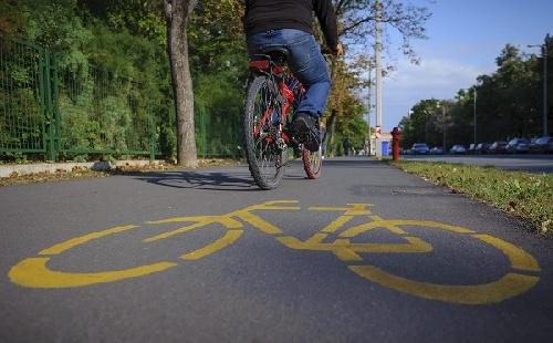 32 kilométer kerékpárút épül Pest megyében