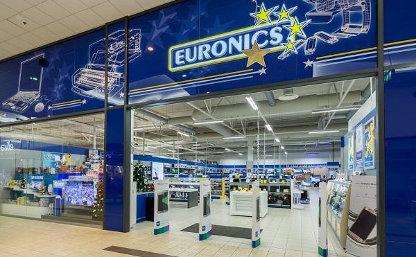 Átadták a pátyi ipari parkban az Euronics raktárbázisát