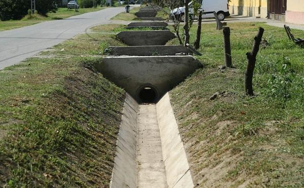 Pest megyei önkormányzatok kaptak támogatást csapadékvíz-elvezető rendszerekre