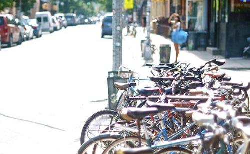 Új kerékpártároló és parkoló Dunakeszin